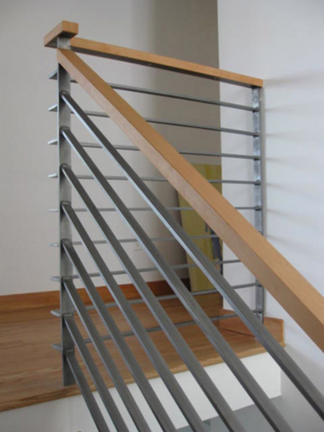 15 Incredible Wood Stairs Railing Design For Your Home ...